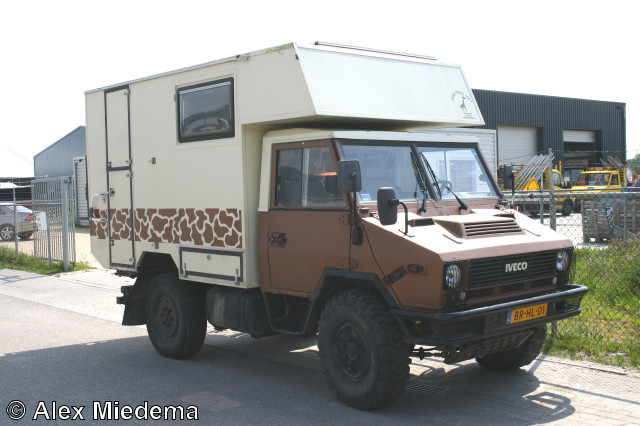 sungbathbadog iveco daily 4x4 camper. Black Bedroom Furniture Sets. Home Design Ideas