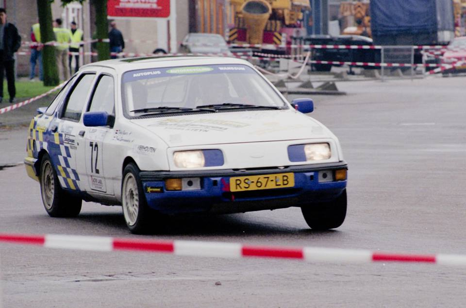 Van Jaco Terlouw kreeg ik een aantal foto's toegestuurd die hij in de Rotterdamse Waalhaven heeft gemaakt tijdens de Vierhouten Rallysprint. Pure nostalgie voor autosportliefhebbers!