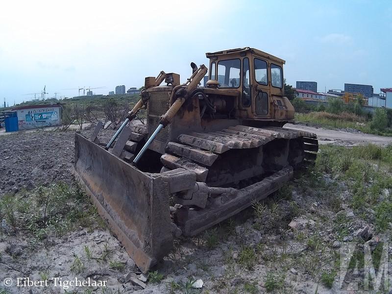 Eibert Tigchelaar zit momenteel voor zijn werk in China. Terwijl hij door zijn tijdelijke thuisland ietste zag hij een bult oud ijzer langs de kant van de weg staan, en moest hij meteen aan mij denken... Het gaat hier om een Yishan TS160D.
