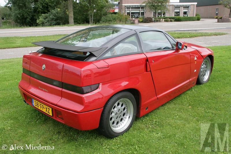 Alfa Romeo SZ Zo nu en dan hebben ze bij Alfa Romeo (en Scania) dealer Rinsma in Berlikum hun Alfa Romeo SZ uit 1991 buiten staan. Dit was gisteren ook weer het geval, ik kon me er niet van weerhouden even een rondje over deze prachtige auto heen te lopen. Zo nu en dan hebben ze bij Alfa Romeo (en Scania) dealer Rinsma in Berlikum hun Alfa Romeo SZ uit 1991 buiten staan. Dit was gisteren ook weer het geval, ik kon me er niet van weerhouden even een rondje over deze prachtige auto heen te lopen. Zo nu en dan hebben ze bij Alfa Romeo (en Scania) dealer Rinsma in Berlikum hun Alfa Romeo SZ uit 1991 buiten staan. Dit was gisteren ook weer het geval, ik kon me er niet van weerhouden even een rondje over deze prachtige auto heen te lopen. Zo nu en dan hebben ze bij Alfa Romeo (en Scania) dealer Rinsma in Berlikum hun Alfa Romeo SZ uit 1991 buiten staan. Dit was gisteren ook weer het geval, ik kon me er niet van weerhouden even een rondje over deze prachtige auto heen te lopen. Zo nu en dan hebben ze bij Alfa Romeo (en Scania) dealer Rinsma in Berlikum hun Alfa Romeo SZ uit 1991 buiten staan. Dit was gisteren ook weer het geval, ik kon me er niet van weerhouden even een rondje over deze prachtige auto heen te lopen. Zo nu en dan hebben ze bij Alfa Romeo (en Scania) dealer Rinsma in Berlikum hun Alfa Romeo SZ uit 1991 buiten staan. Dit was gisteren ook weer het geval, ik kon me er niet van weerhouden even een rondje over deze prachtige auto heen te lopen.